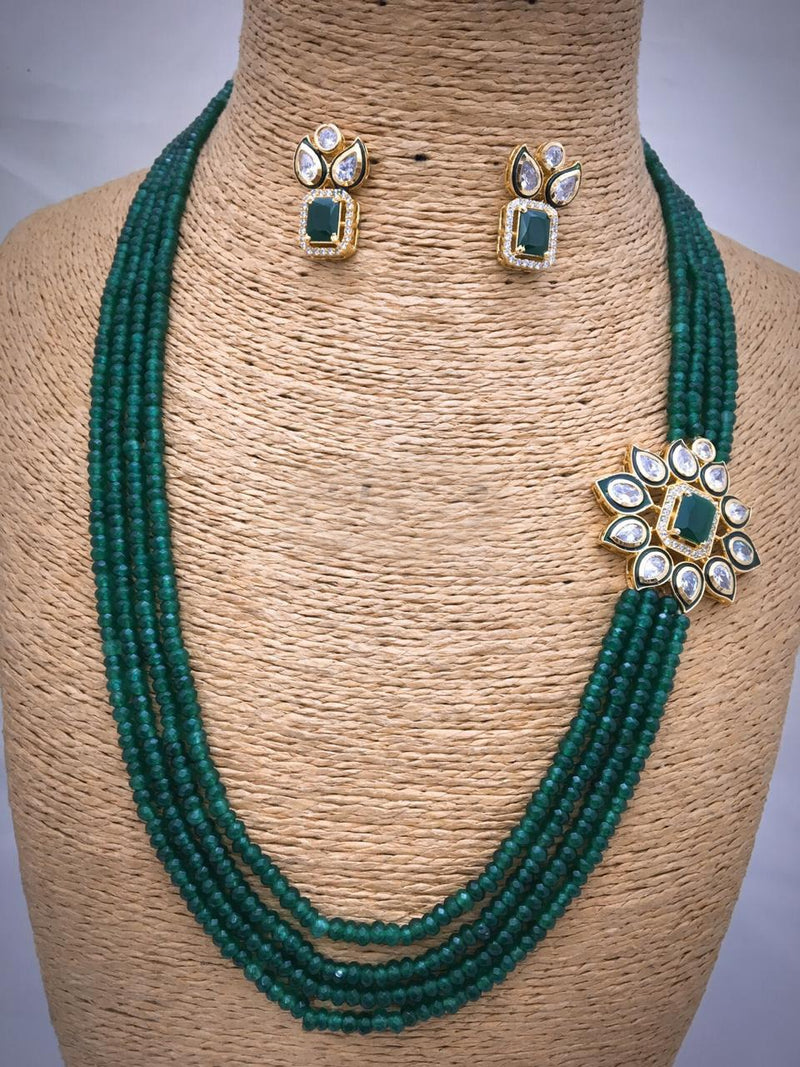 Green Centric Pendant Necklace Set