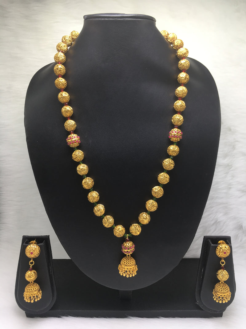 Splendid Unique Gold Plated Necklace Set