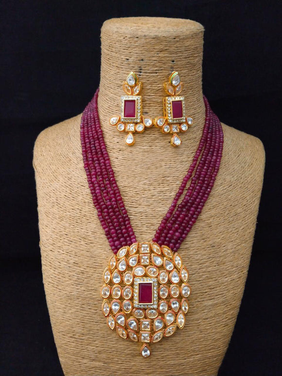 Lavalliere Charming Kundan Necklace Set