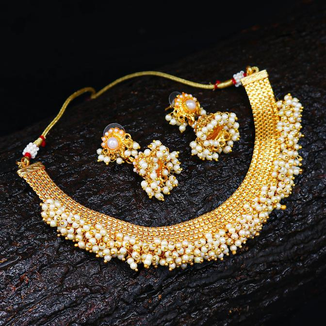 Astonish Gold Plated Choker Necklace set For Women