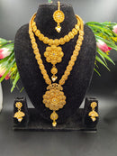 Valuable Garish Golden Gold Plated Necklace Set