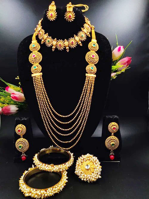Highly Ornamental Pearl & Gold Plated Necklace Set