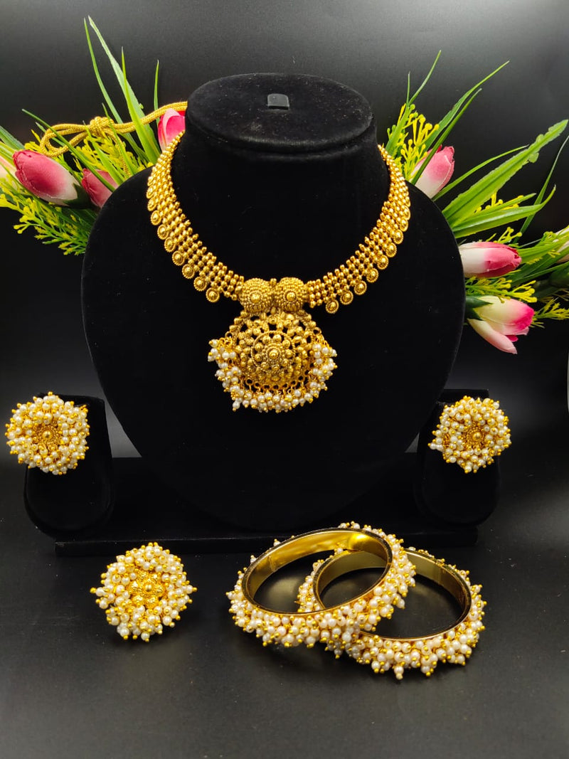 Extravagent Pearl & Gold Plated Necklace Set