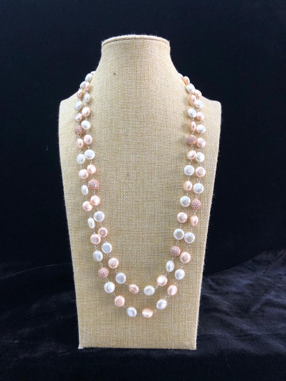 White and Light Pink Decorative Pearl Necklace