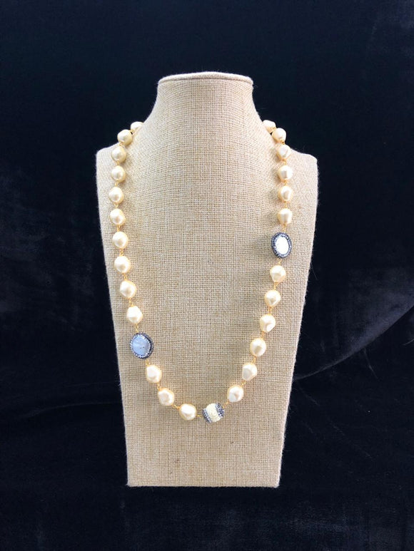Shinning Pearl Gold Baroque Necklace
