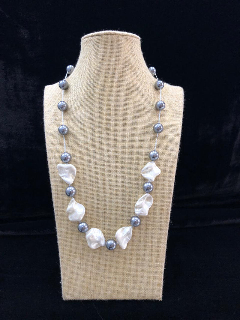 Mother of Pearl Silver Beaded Necklace