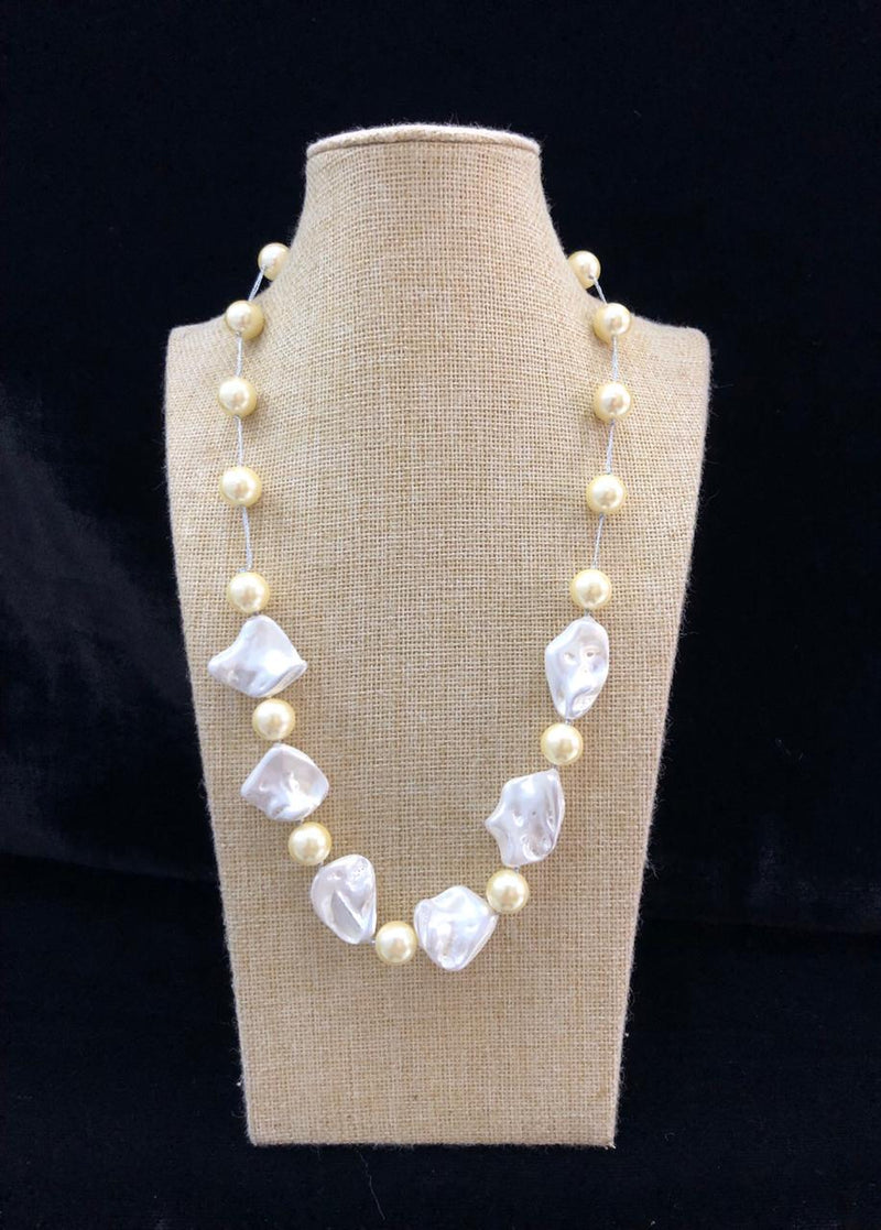 Mother of Pearl White Necklace