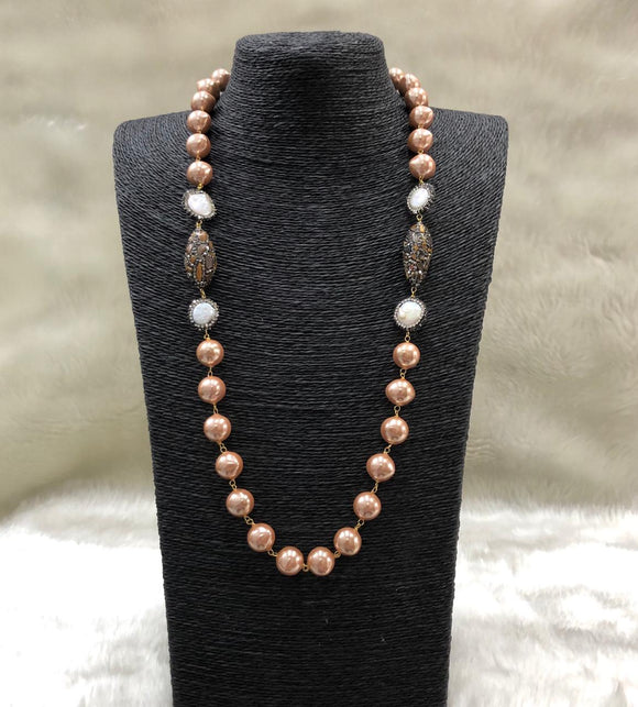 Shimmering Pearl Stone Centric Necklace