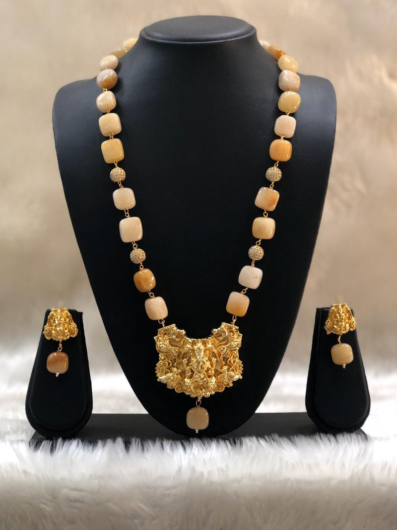 Flawless Pearl Beautiful Necklace Set