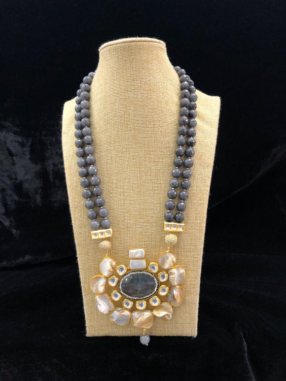 Grevelled In Beauty Grey Mother Of Pearl Necklace