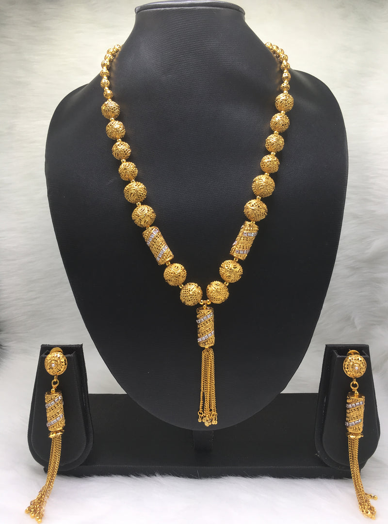 Discreet Diamond Gold Plated Necklace Set
