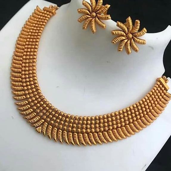 Fantastic Gold Antique Necklace Set