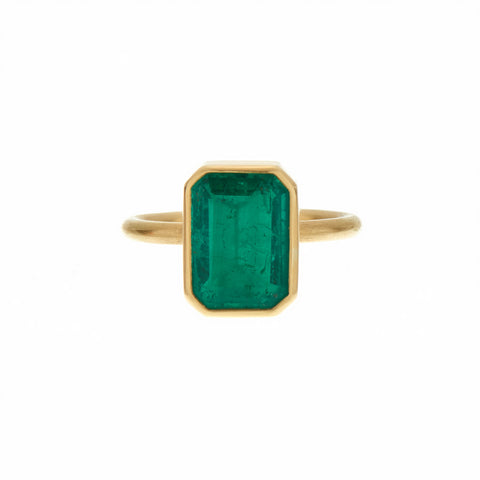 Gabriella Kiss 18k Large Colombian Emerald Ring