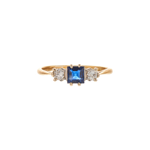 Vintage 18k Platinum Sapphire & Two Diamond Ring