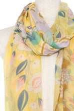Load image into Gallery viewer, Floral pattern oblong scarf