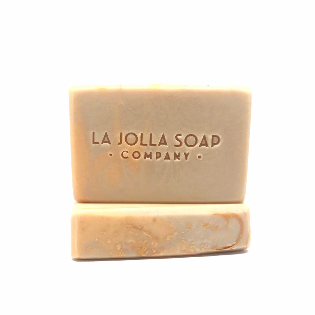 This Artisan Soap is made with real organic Goat milk-high in vitamins, minerals and alpha hydroxy acids. Enriched with organic cocoa and tallow loaded with antioxidants containing hydrating lipids to help maintain your skin's moisture balance. Blended with rich mineral clay creating a creamy lather that gently cleanses. perfect for dry or mature skin.