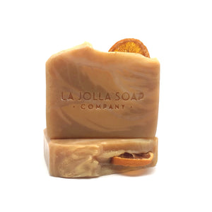 This Artisan Natural Soap is made with organic tallow, cocoa and shea butters loaded with antioxidants and hydrating lipids to help maintain your skin's natural moisture balance. You will enjoy the creamy lather while the aromatic pure essential oil blend of fresh orange, peppermint and neroli uplift and brighten your mood.