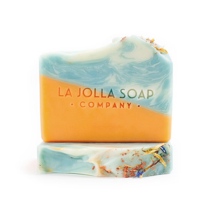 This Natural Artisan Soap is fun and fresh! Sunshine Daydream creates a rich creamy lather. Scented with pure essential oils of neroli and orange for an aromatic wave to enliven your senses and brighten your day.  Get on the bus!