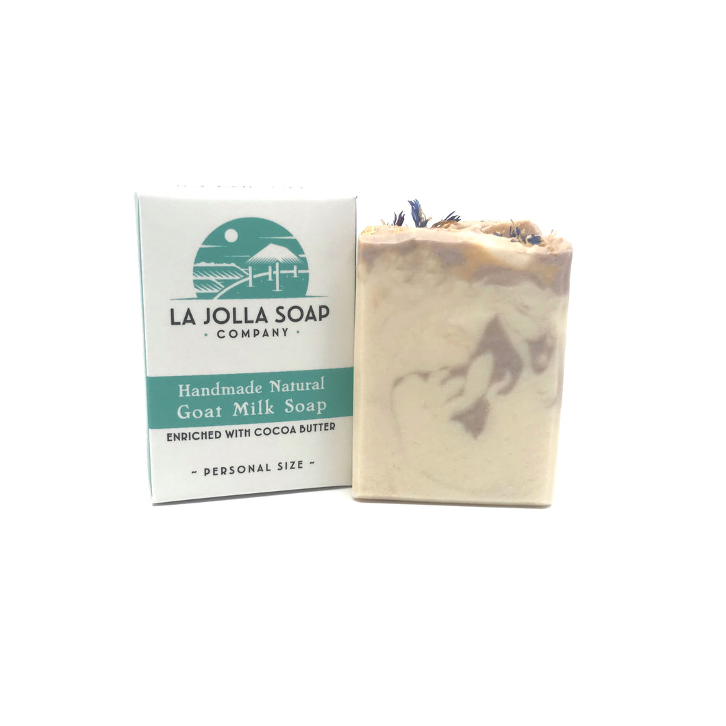 Goat milk is high in vitamins, minerals and alpha hydroxy acids which helps to gently exfoliate dead skin cells while nourishing your skin. Creamy, bubbly lather beautifully scented with Bergamot and Lily.