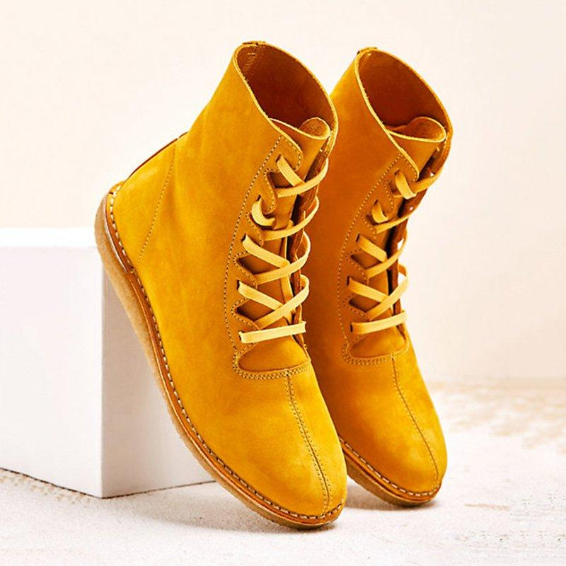 Woman lace up casual boots