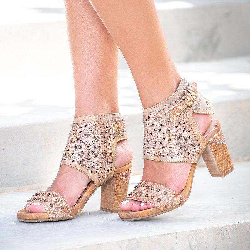 Women Hollow-Out Rivet Embellishment Vintage Retro Chunky Heels Sandals