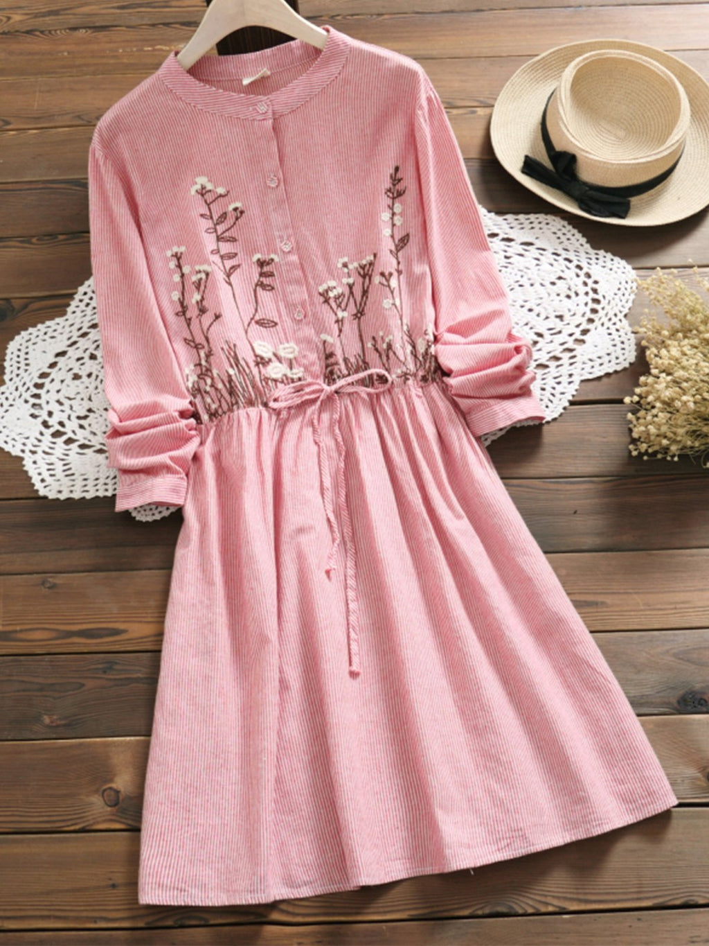 Autume Embroidery With Belt Long Sleeve Stand Collar Dress