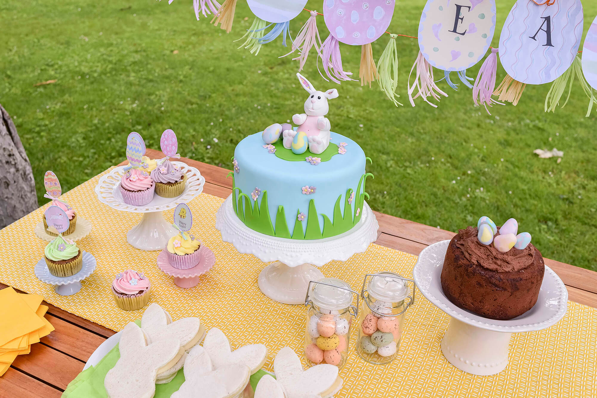 Easter-bunny-decorated-cake