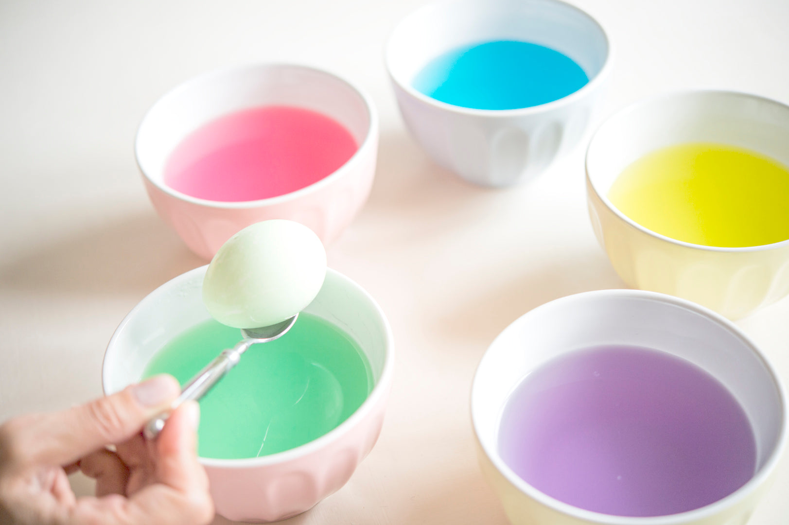 How-to-Dye-Easter-Eggs