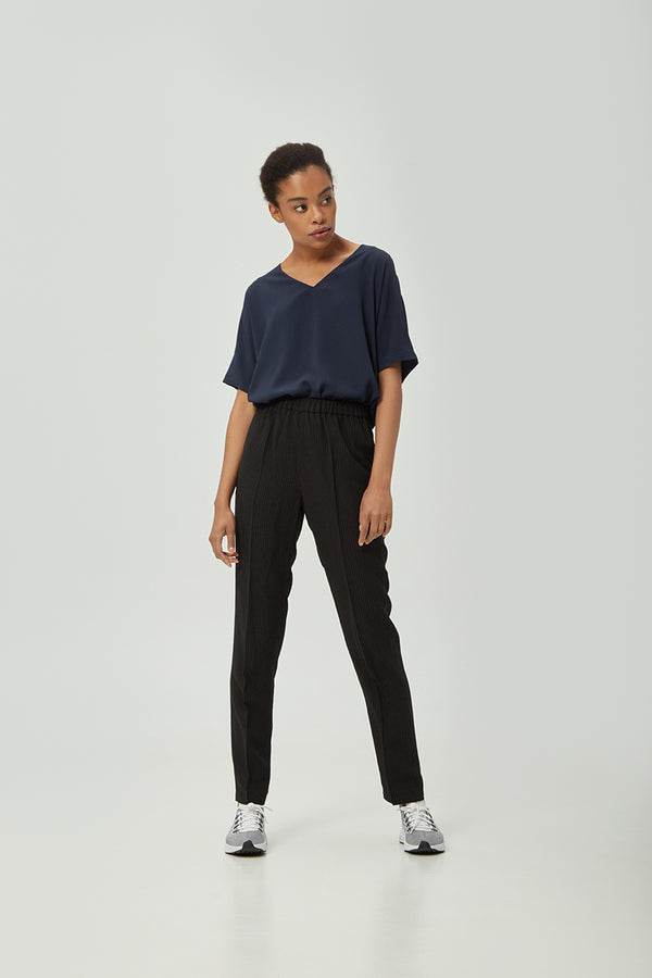 Navy Loose-fit Silk Blouse | Effortless High Quality Clothing by Esyvte