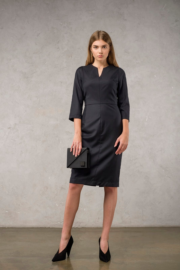 Black V-Neck Dress | Effortless High Quality Clothing