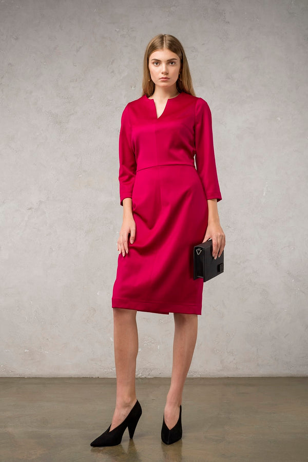 Magenta V-Neck Dress | Effortless High Quality Clothing by Esyvte