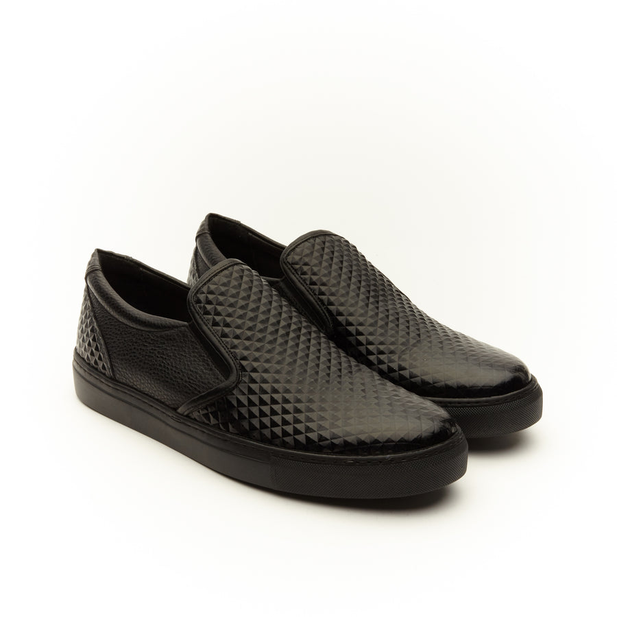 BLACK LEATHER SLIP ON SNEAKER SHOE