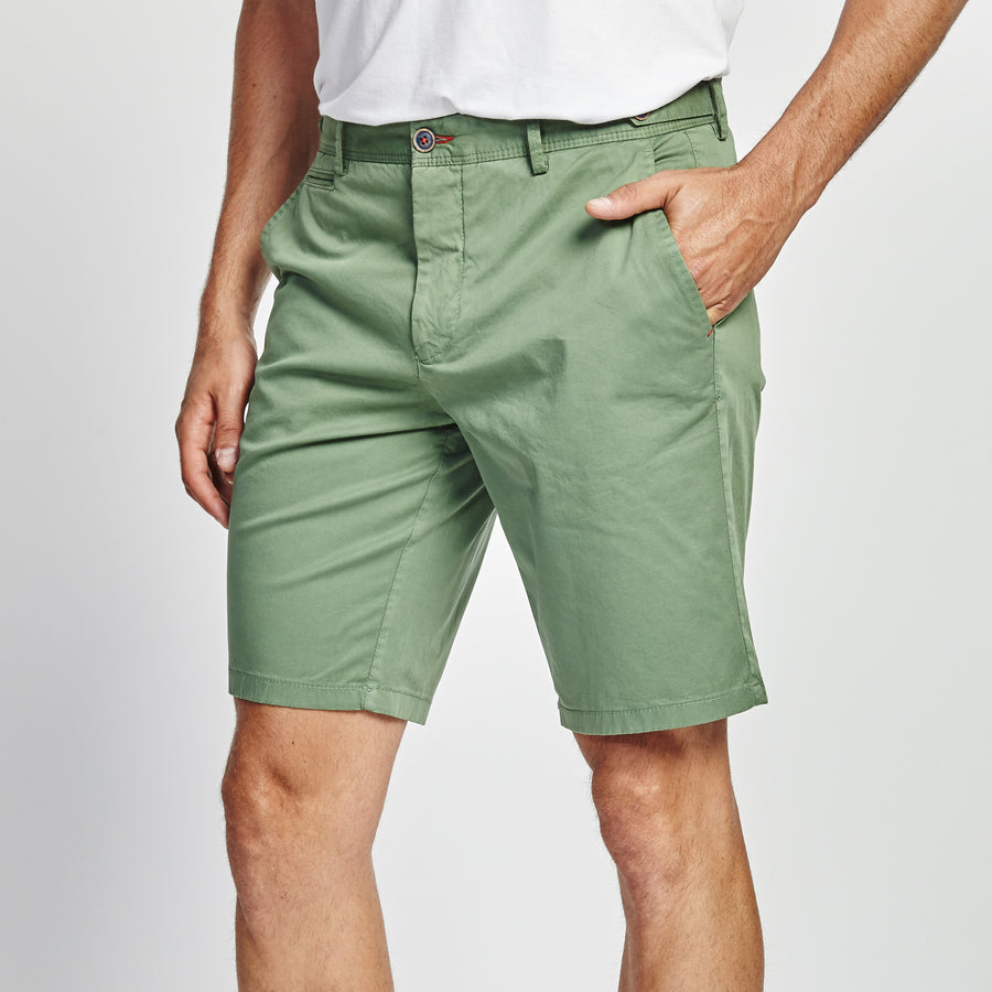 CLASSIC FIT SAGE GREEN SHORT