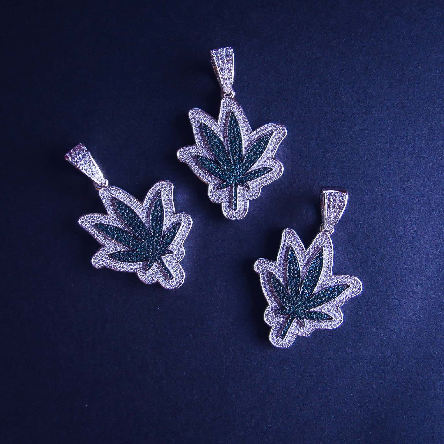 Weed Leaf Pendant - IcedGold