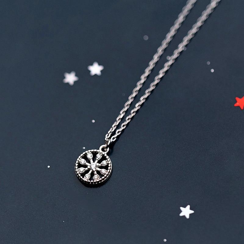 925 Sterling Silver Snowflake Pendant Necklace - Silver Disc Neklace - Circle Necklace - Dainty Necklaces - Vintage Jewelry Lux & Rose