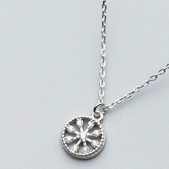 925 Sterling Silver Snowflake Pendant Necklace - Silver Disc Neklace - Circle Necklace - Dainty Necklaces - Vintage Jewelry Lux & Rose Default Title