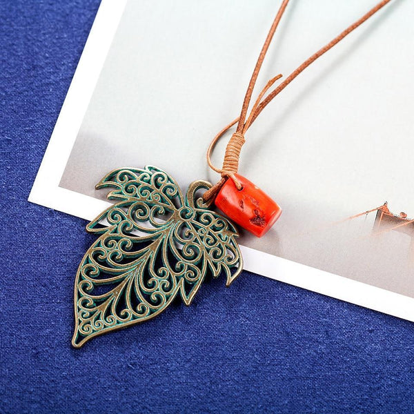 Vintage Large Leaf Pendant Necklace - Rope Chain Leaf Pendant Necklace - Large Leaf Necklace - Leaf Shaped Pendant Necklace - Vintage Plant Pendant Necklace - Vintage Leaf Necklace - Long Chain Necklace Lux & Rose