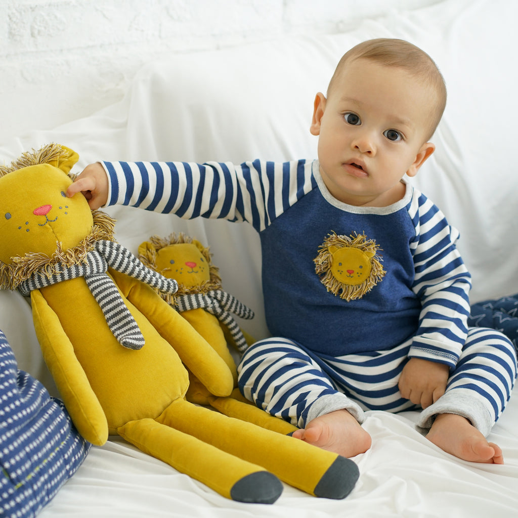 Cotton Velvet Lion Applique Playset | Albetta - Just Add Milk