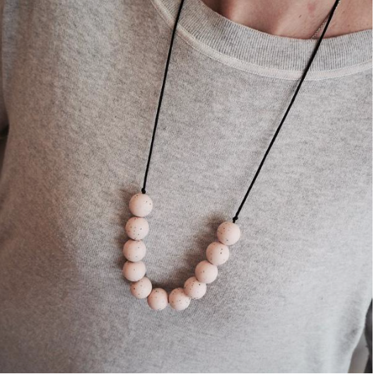 Laura & Ollie Round Teething Necklace - Peony Granite