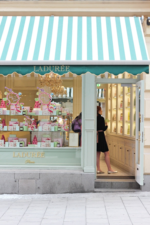 ladurée_paris_party_fiesta_macarons