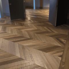 CHEVRON FUMED BAND SAWN OAK PARQUET  UV OILED