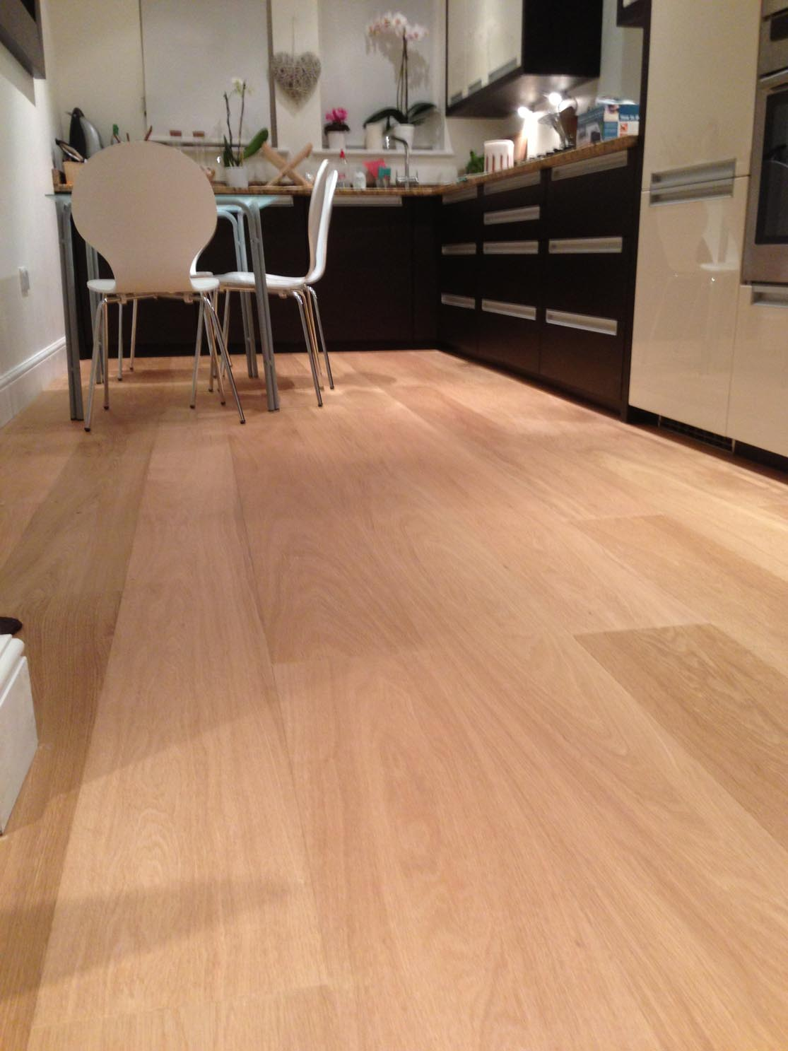 E352LN Oiled Oak flooring in a Kitchen