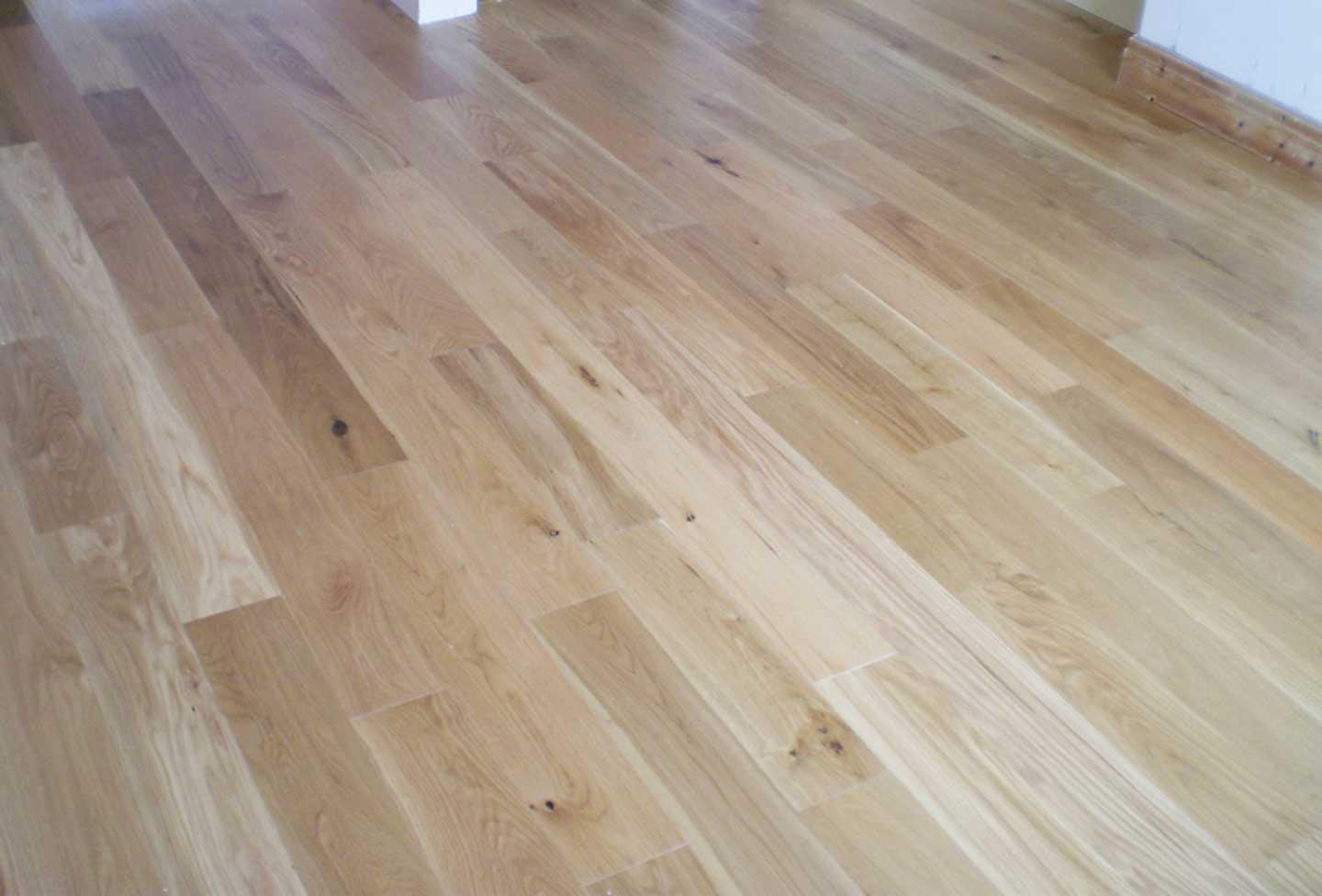 Natural Lacquered Rustic Oak Flooring