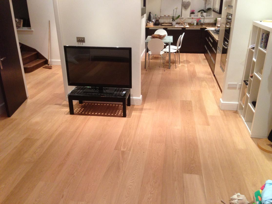E352LN UV Oiled Oak flooring in a Living Room