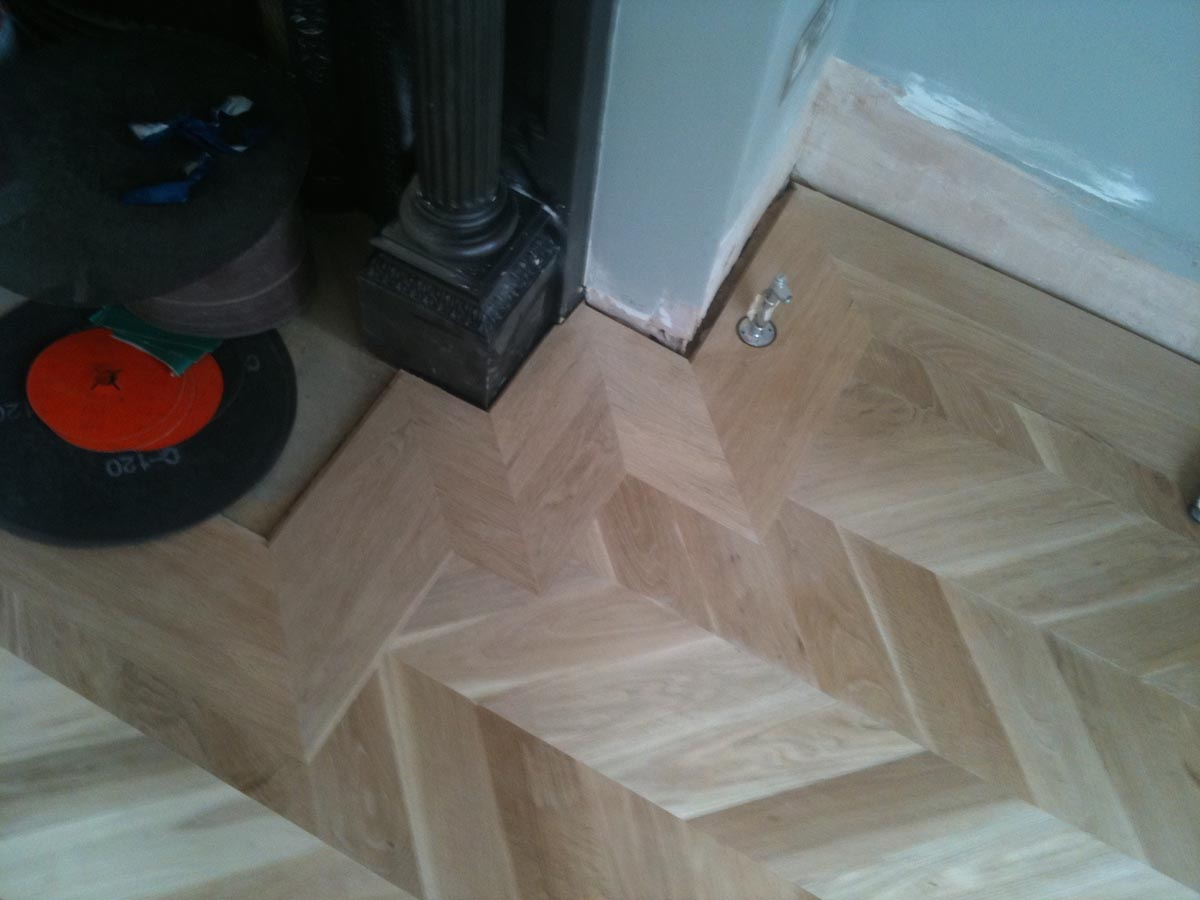 Overlay Chevron Parquet Blocks