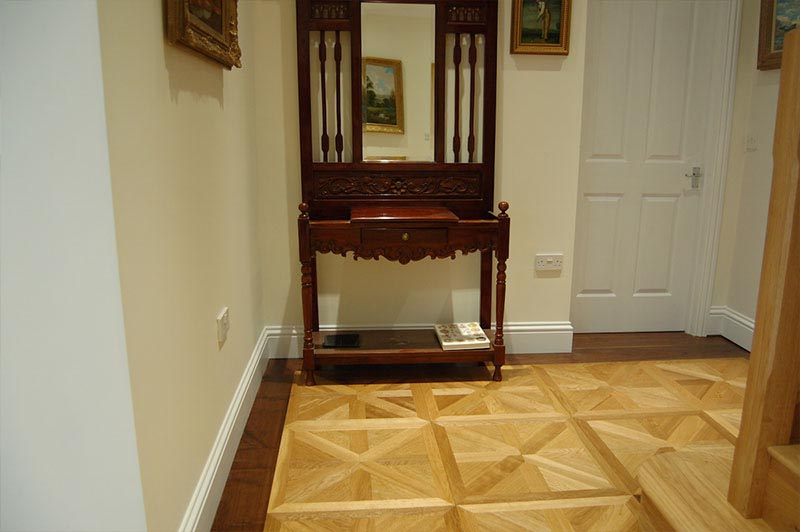 Parquet panels by staircase
