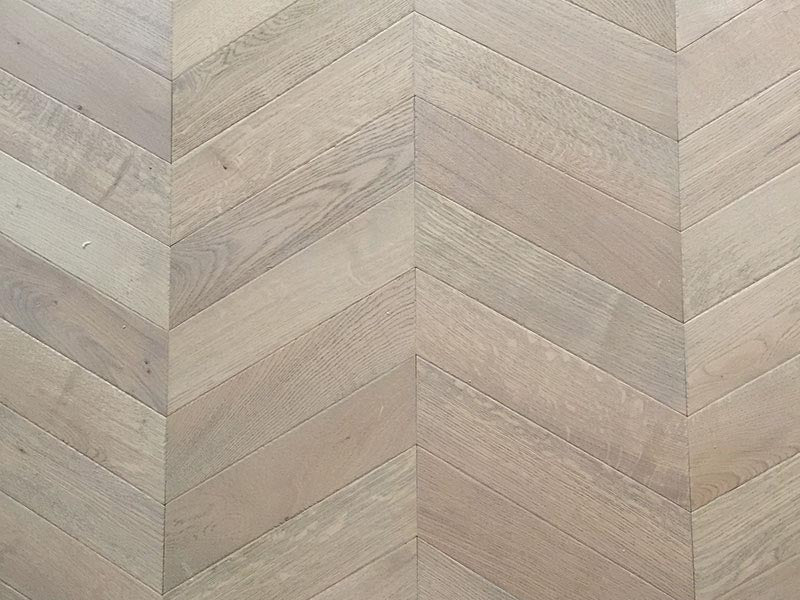 fitted image of the Antique Chevron Parquet