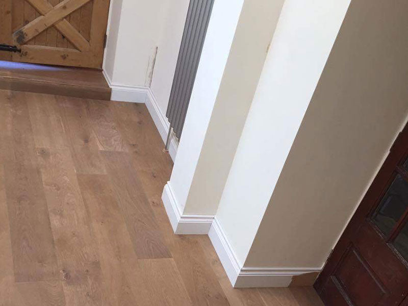 E156 Oak flooring in a hallway