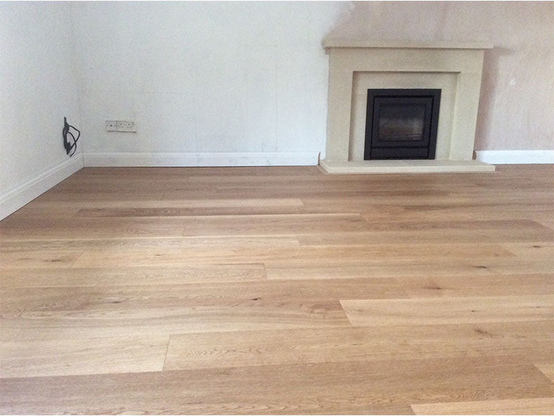 Select Grade Brushed Natural Oak Flooring UV Oiled Finish