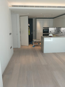 E158UV | Select Grade Brushed Oak Flooring White UV Oiled